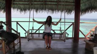 La Repubblica delle Maldive (in maldiviano: Divehi Rājjey ge Jumhuriyyā, in inglese: Republic of Maldives) è uno stato insulare di 349.106 abitanti (stima del ...