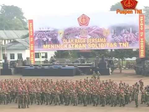 Panglima TNI Olahraga Bersama 1.600 Prajurit TNI