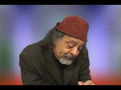 Hafez - Hadi Khorsandi reads his poem, Fal Hafez for Iran-e-Man (My Iran) TV. This video was taped on Feb 2008 in Portland Oregon.