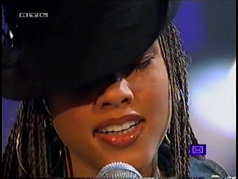 """Alicia Keys """"A Woman's Worth"""" live at TOTP"""