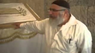 סיור מרתק בקבר דוד המלך עם יעקב סיביליה