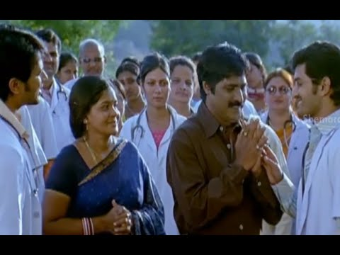 Badradri Full Movie Scenes - Baladhitya treatment to a child outside the hospital - Nikitha, Raja