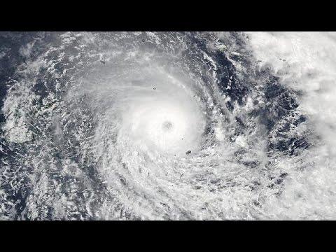Σαρώνει τα Φίτζι ο κυκλώνας Ουίνστον