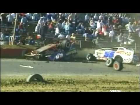 Huge Dirt Modified Crash (Destroyed In Seconds)