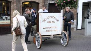Ward Axe Streetperformance Try Out Piano Bicycle 'The Freewheeler' 10/11/14 Venlo