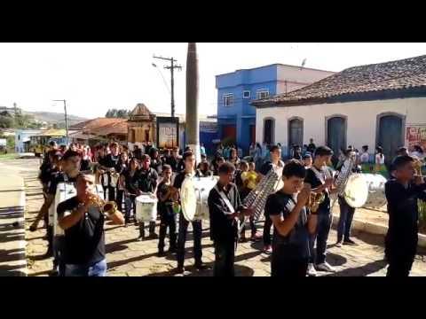 Toques de cornetas, xilofones e liras Fanfarra Santa Rita de Ibitipoca