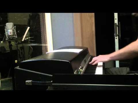 Áron Romhányi – Rhodes solo on unison