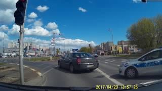 Błyskawiczna kara dla cwaniaka drogowego Chryslerze…