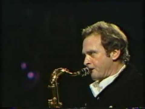 Wave - Tenor saxophonist Stan Getz performs Jobim's Wave.