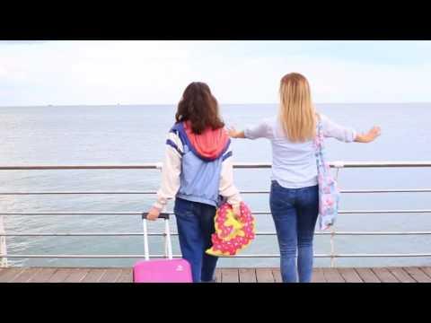 Хоть лето уже и заканчивается но путешествия никто не отменял!   поэтому собираем чемоданы и бегом...
