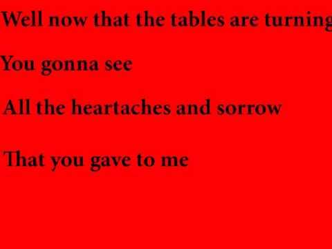 Tekst piosenki Brenda Lee - Tables are turning po polsku
