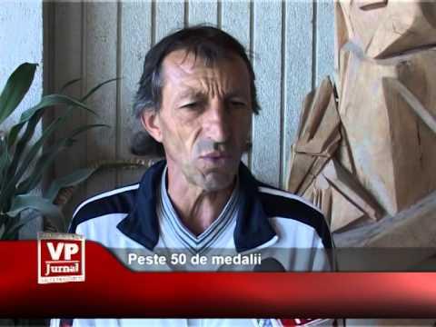 Peste 50 de medalii