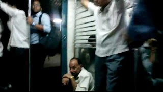 Andheri India  city images : 1:34 AM Last Virar Local Train From Andheri Station Mumbai India 2014 [HD VIDEO]