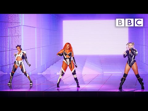@Little Mix kick off Battle of the Bands with Sweet Melody - Little Mix The Search - BBC