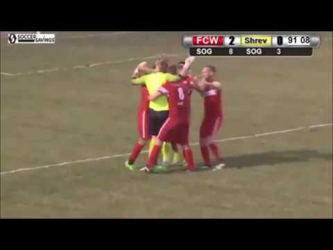 حارس مرمى يسجل هدفاً من مرماه في دوري الهواة الأمريكي ! (فيديو)