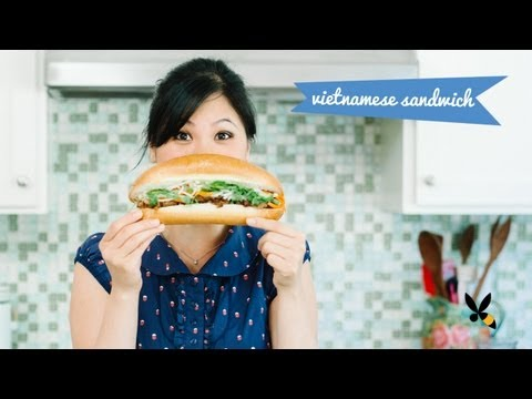 How to Cook Vietnamese Grill Pork Sandwich – Banh Mi Thit Nuong