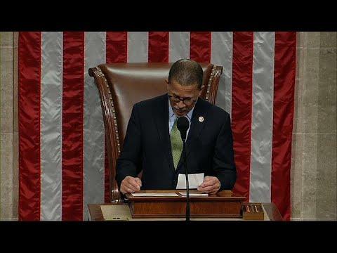 ΗΠΑ: Οι Δημοκρατικοί προσπαθούν να «συγκρατήσουν» τον Τραμπ…