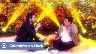 Luciano Huck recebe a jovem cantora de Londrina, no Paraná, e o cantor Luan Santana para um dueto emocionante do hit...
