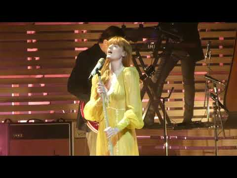 """June & Hunger"" Florence & The Machine@Wells Fargo Center Philadelphia 10/14/18"