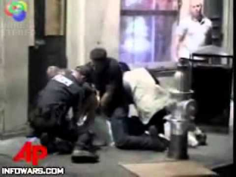 Policjant zmasakrował dziadka