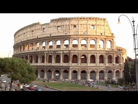 مسؤولون: ميل طفيف لكولوسيوم روما لكن لا خطورة على استقراره - فيديو