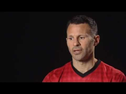 Manchester United 2012/13 Nike Home Kit | Ryan Giggs