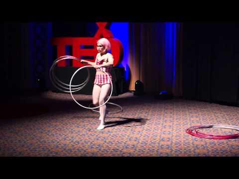 Amazing Hula Hoop Performance | Dizzy Lizzy