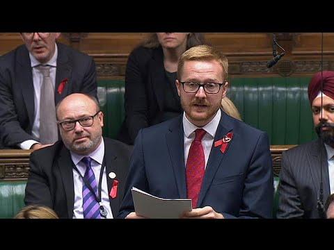 Βρετανός βουλευτής αποκάλυψε στο κοινοβούλιο ότι είναι οροθετικός…
