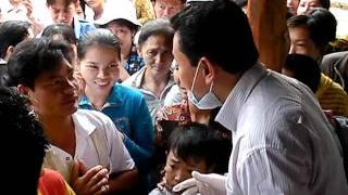 Thầy Võ Hoàng Yên đang chữa ở Thốt Nốt - Cần Thơ