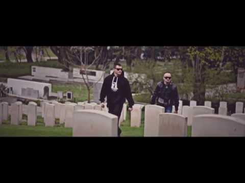 Tekst piosenki Ascetoholix - Twoje Westerplatte po polsku