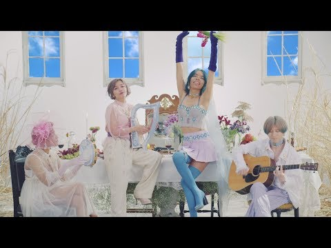 , title : '女王蜂 『Introduction』Official MV'