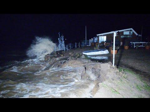 Sturmtief Axel wütet an der Ostsee bei Kiel Laboe Mön ...