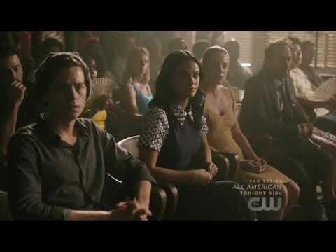 Riverdale 3x01 Archie takes a plea deal & pleads guilty. Veronica breaks down.