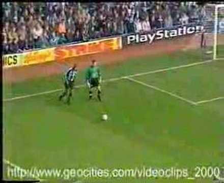 EL gol más estúpido del fútbol europeo