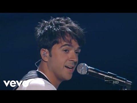 Luis Fonsi - Gritar (Premios Juventud 2011 en Univision)