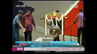 Video Jokowi Pindahkan Gong Yang Akan Dipukul Oleh SBY MP3, 3GP, MP4, WEBM, AVI, FLV Mei 2019