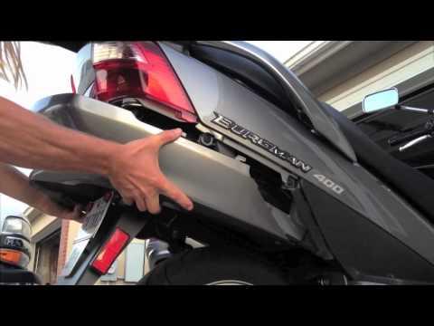 03-06 Suzuki Burgman 400 – Tail light Bulb Replacement