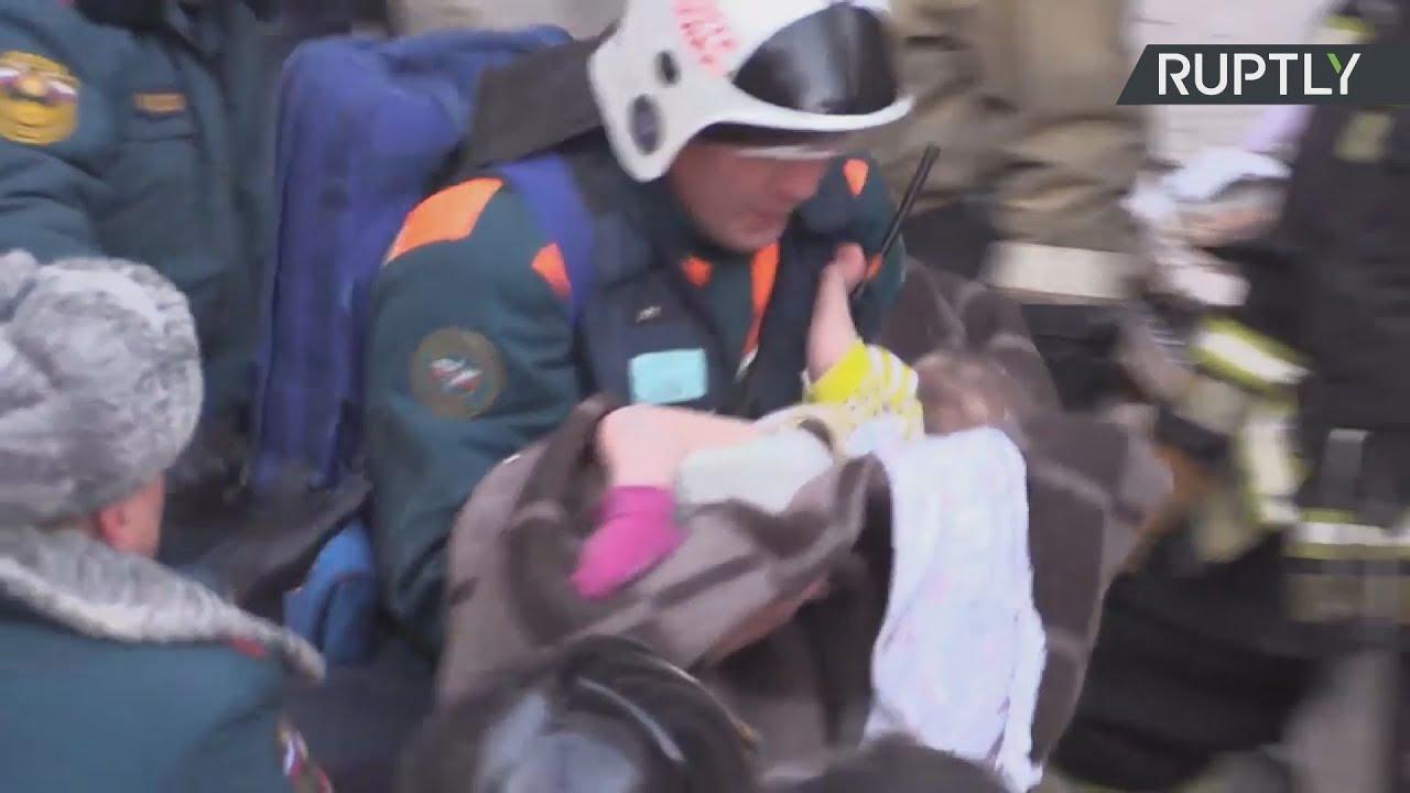 Ρωσία: Ζωντανό βρέθηκε μωρό 10 μηνών στα ερείπια της πολυκατοικίας