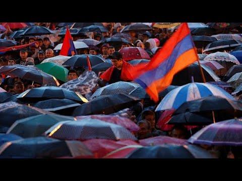Αρμενία: Επεκτείνονται και εκτός Ερεβάν οι διαδηλώσεις