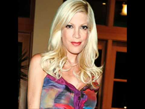 Tori Spelling Announces She's PREGNANT Baby No. 4... just 5 months after giving birth!