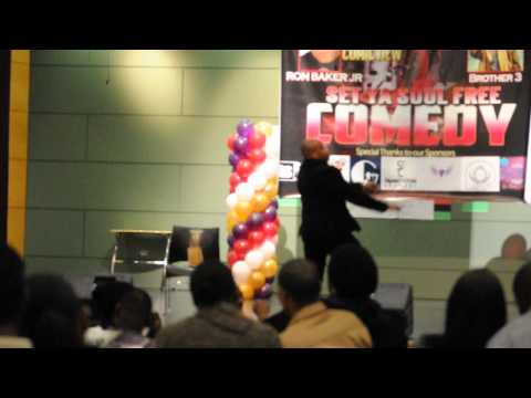 COMEDIAN RON BAKER JR FINISHING UP HIS ACT @SET YA' SOUL FREE COMEDY SHOW DINNER - 2/22/14
