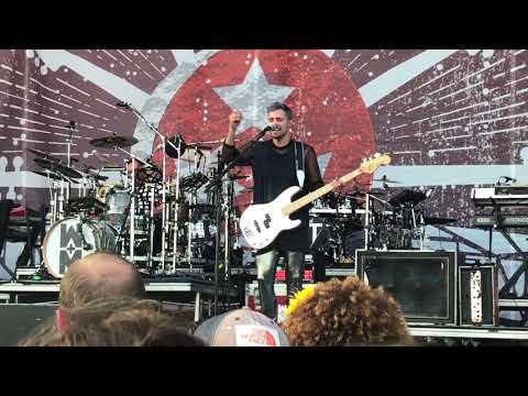 Video One Foot (Live) - Walk The Moon download in MP3, 3GP, MP4, WEBM, AVI, FLV January 2017
