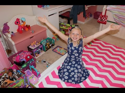 Alyssa's Room Tour - Family Fun Pack