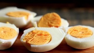 Perfect Hard-Boiled Eggs by Chowhound