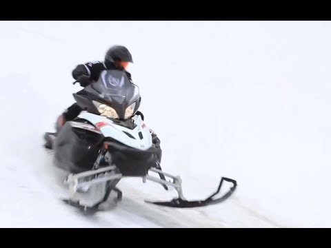 2013 Yamaha Apex SE Snowmobile Review