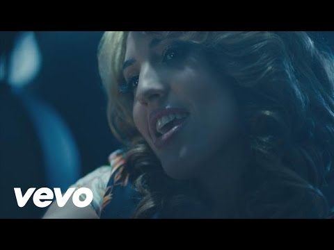Arianna – Sexy People (The FIAT Song) ft. Pitbull