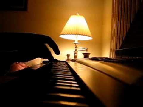 Kanye West - Flashing Lights Piano *NEW* Version