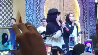 Video Nissa sabyan - ya jamalu live supermall karawaci tangerang MP3, 3GP, MP4, WEBM, AVI, FLV Juni 2018