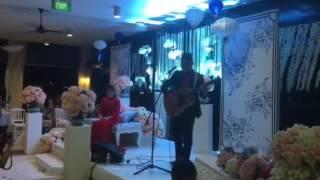 Video Sezairi Sezali sings a ballad for his wife during their wedding dinner MP3, 3GP, MP4, WEBM, AVI, FLV April 2018