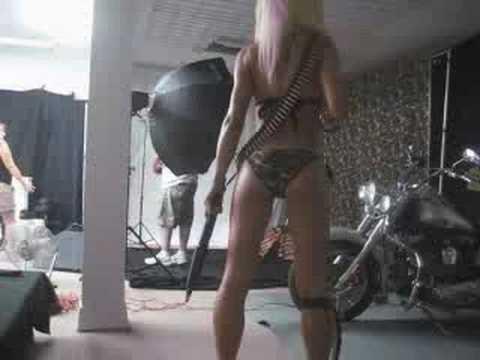 Jennifer Buckles en bikini